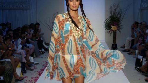 Fashionstock-AguaDiLaraMiamiSwim2014RunwayBikiniModelShow660-266
