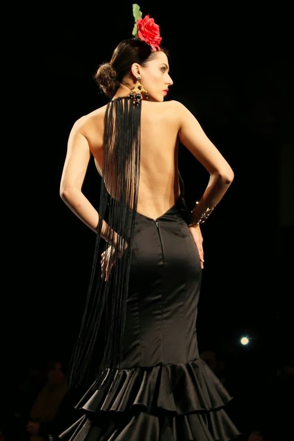 model-takes-day-SIMOF-(International-Flamenco