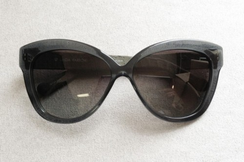 LFL38-linda-farrow-luxe-38-chunky-cat-eye-sunglasses-2-712x475