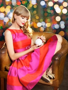 Taylor-Swift-wore-Kate-Spade-Carolyn-Stripe-Fit-Flare-Dress-in-Parade-Magazine