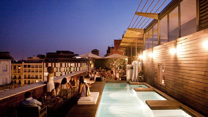 Las terrazas top chic de barcelona gente cosmo for Terrazas de hoteles en barcelona