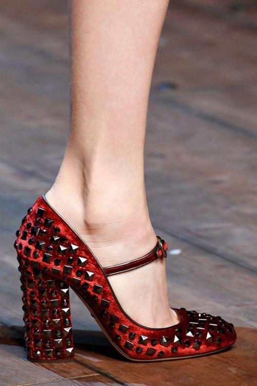 Dolce-Gabbana-Fall-2014-07