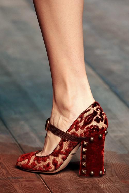 Dolce-Gabbana-Fall-2014