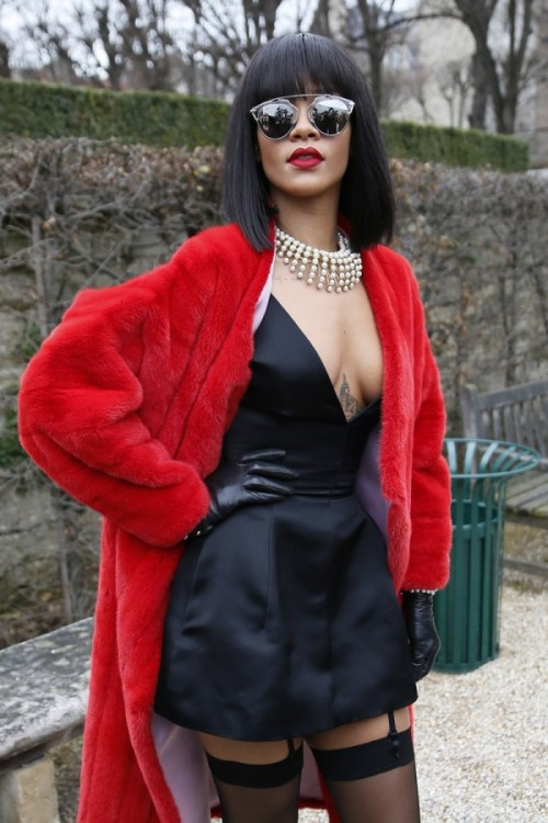 Rihanna-Dior-Fall-2014-Fashion-Show-Paris-600x900