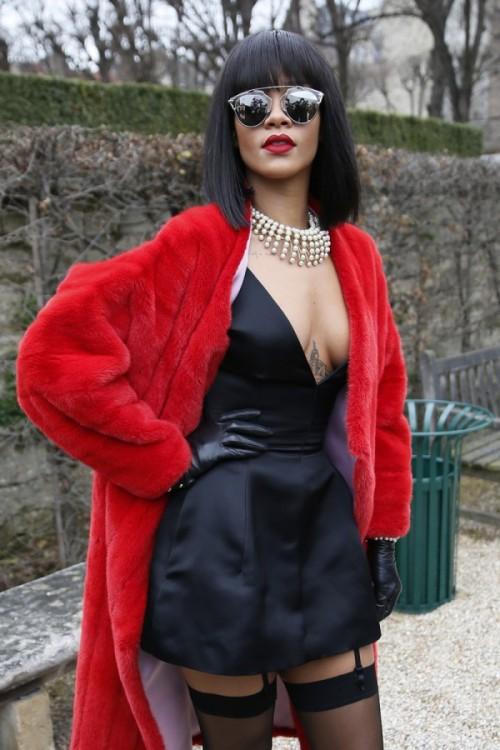 Rihanna-Dior-Fall-2014-Fashion-Show-Paris-600x900