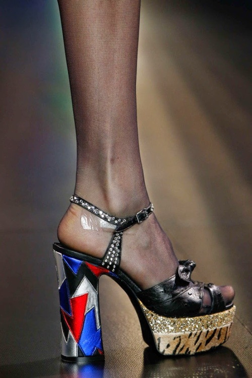 Saint-Laurent-Paris-Fashion-Week-spring-summer-2015-sandal-01