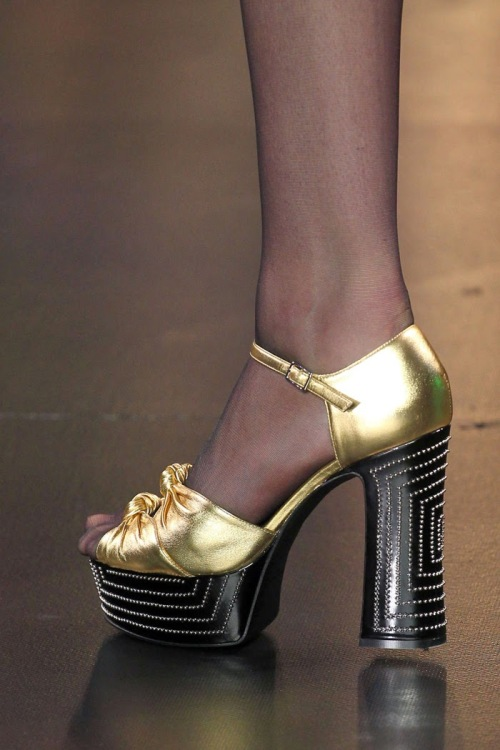 Saint-Laurent-Paris-Fashion-Week-spring-summer-2015-sandal-05