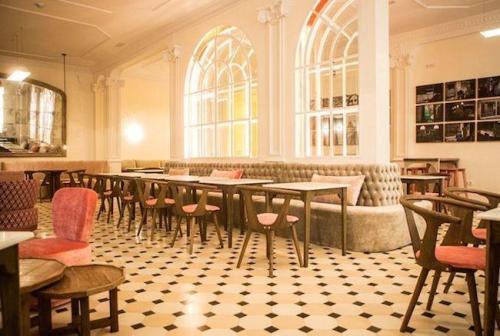restaurante_lateral_barcelona_gente_cosmo_7